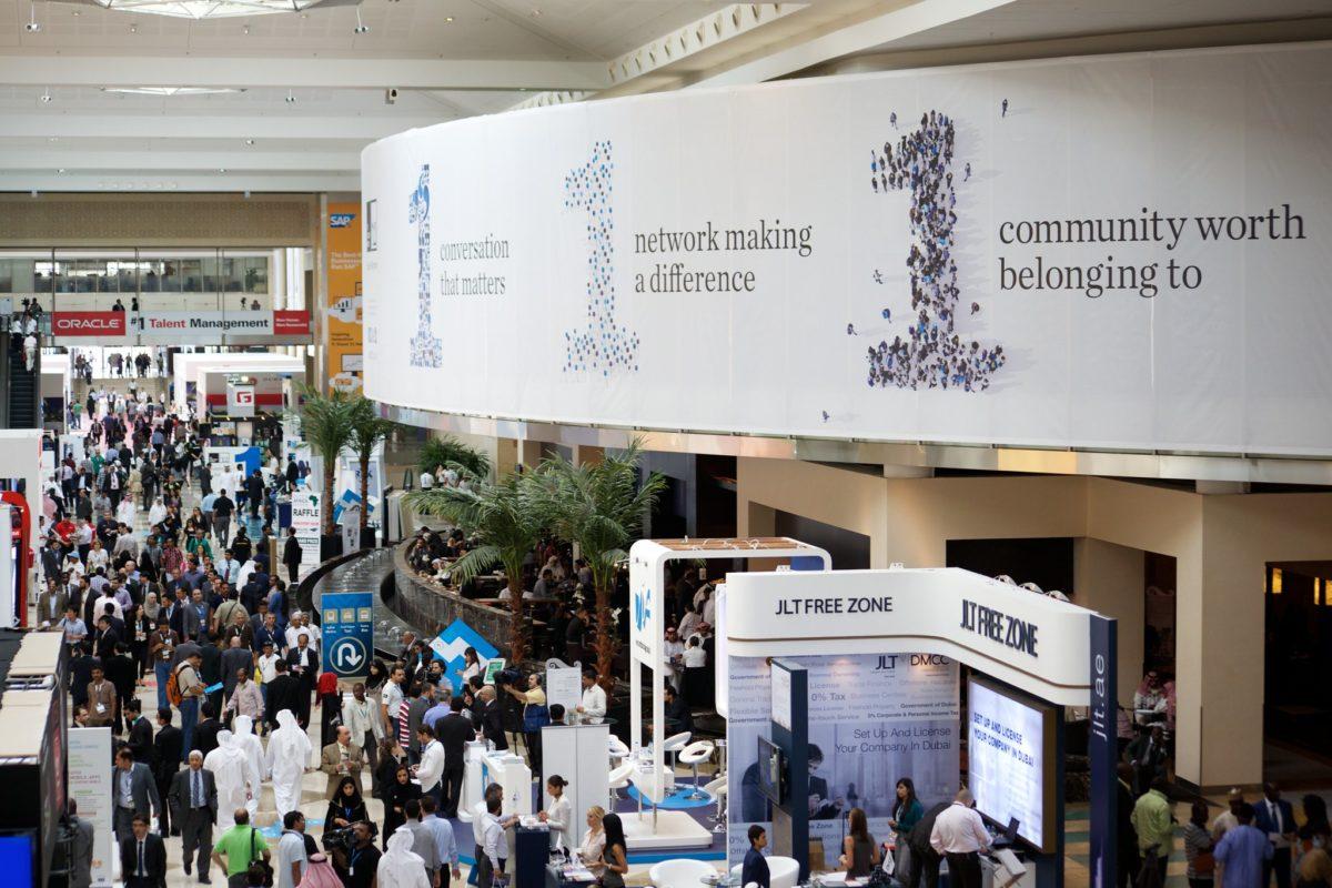 Dubai: visitors in Show Floor